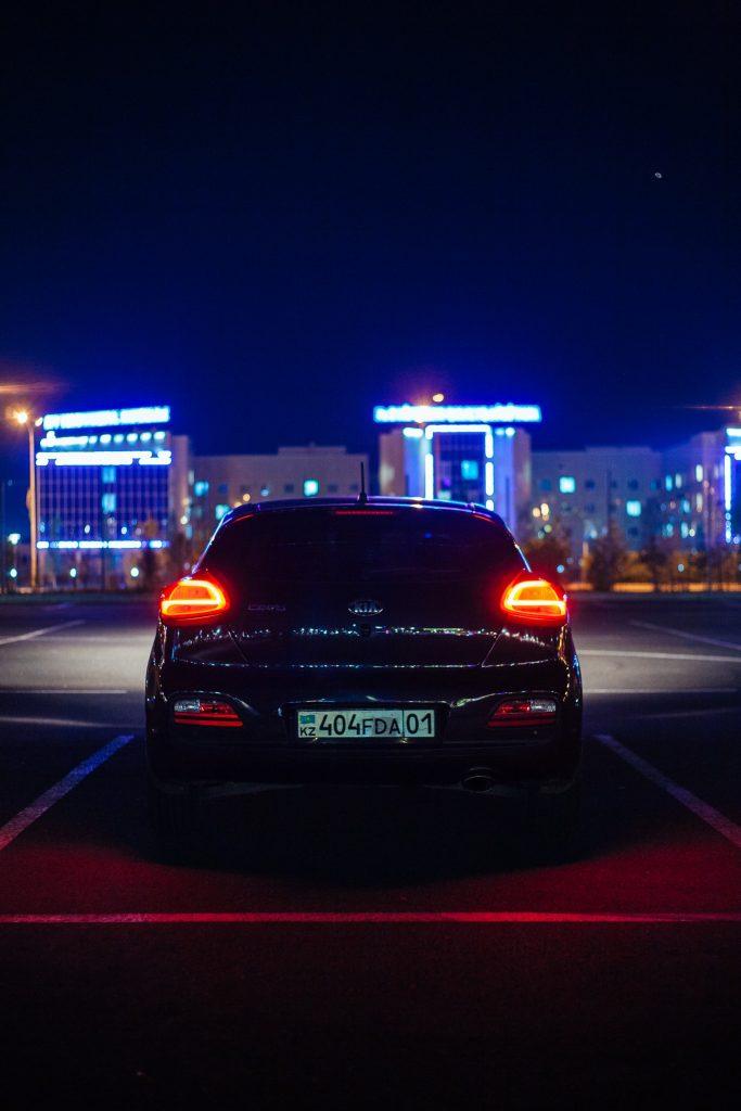 Blacharz i lakiernik samochodowy z Warszawy - Serwis Samochodowy - Auto Pomoc